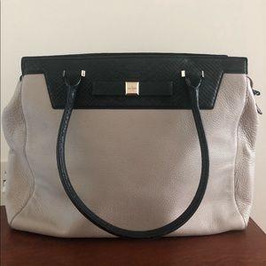 😁Black and light grey Kate spade hand bag/purse